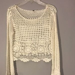COACHELLA COLLECTION Bell sleeve crochet top